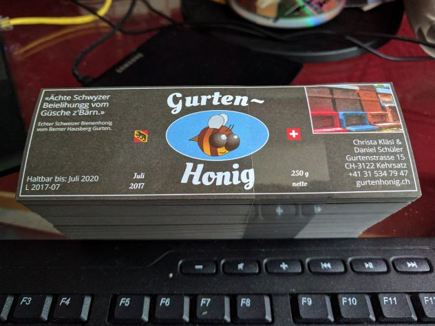 Honigernte: Gurtenhonigetiketten sind eingetroffen